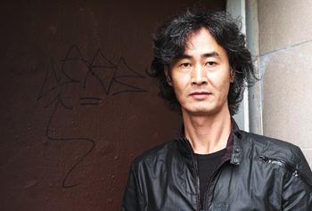 http://french.korea.net/upload/content/editImage/Korea_Literature_Fourth%20Volume_Writer.jpg